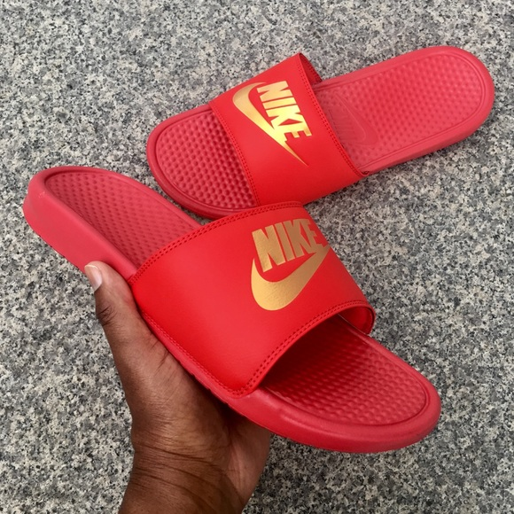 34bb97e894c3 NIKE BENASSI SLIDES JUST DO IT JDI RED GOLD